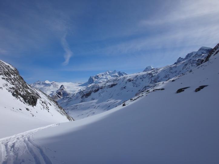 il Montuosa dal colletto sotto l'arrivo della seggiovia Hirli (ex ski-lift Hornli)