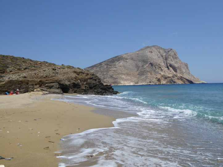 Una spiaggia senza nome dopo Meghalos Potamos