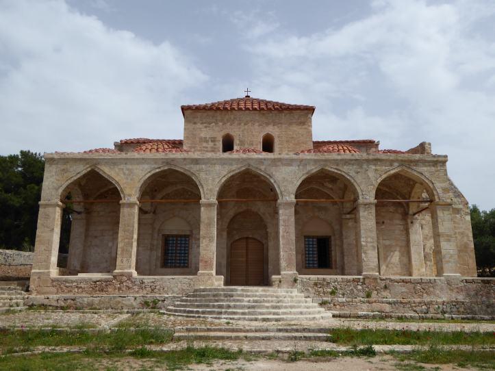 La facciata della chiesa (già moschea)