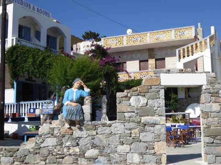 Diafani (Karpathos): la piazzetta e il ristorante Gorgona