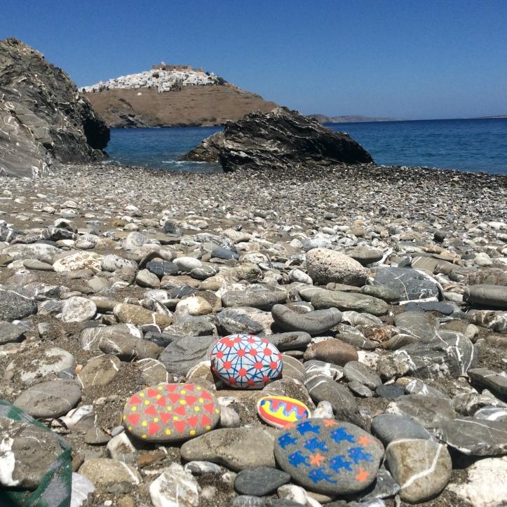 Sassi sulla spiaggetta di Tzanaki (Astypalea)