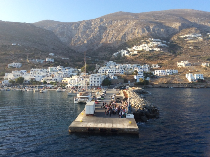 Il porto di Aegiali ad Amorgos