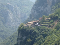 un altro monastero