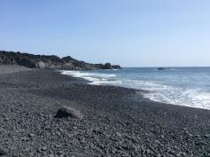 Playa Nueva, ciottoli di lava e un po' di sabbia nera...