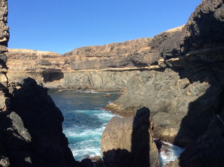 scendendo alla Cueva de Ajuy